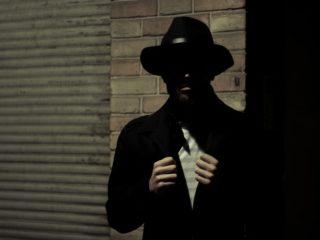 Homme dans le noir