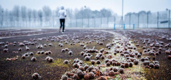 Le minsitre de l'Intérieur Christophe Castaner a confirmé jeudi 7 mai 2020 que « Les lieux de sport couverts resteront fermés » et « seule sera autorisée la pratique sportive individuelle en extérieur », pendant le déconfinement.